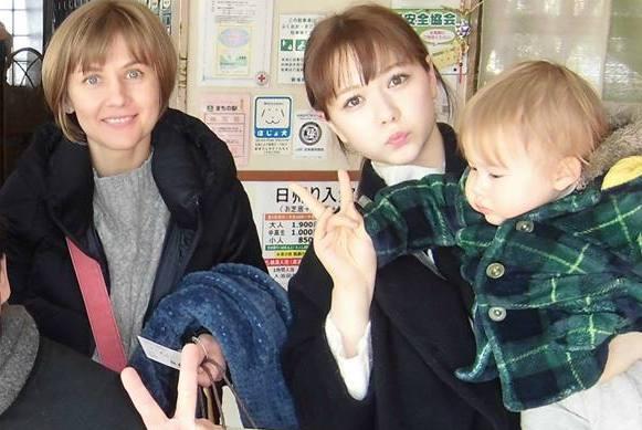 ハーフで可愛い村重杏奈と家族