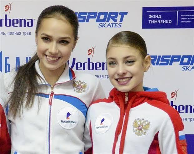 かわいいコストルナヤとザギトワ