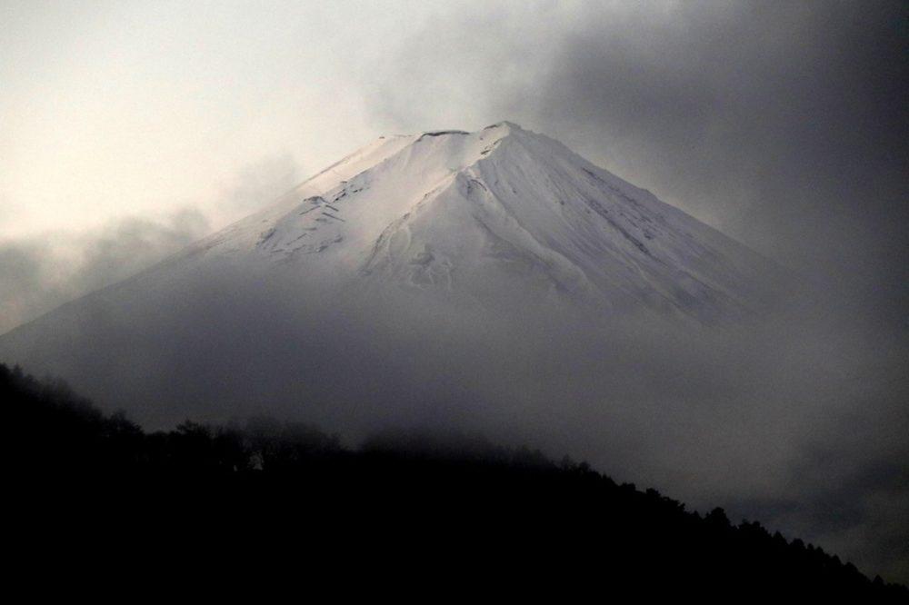 動画あり】富士山滑落のニコ生主は誰?発見されるも身元特定できず