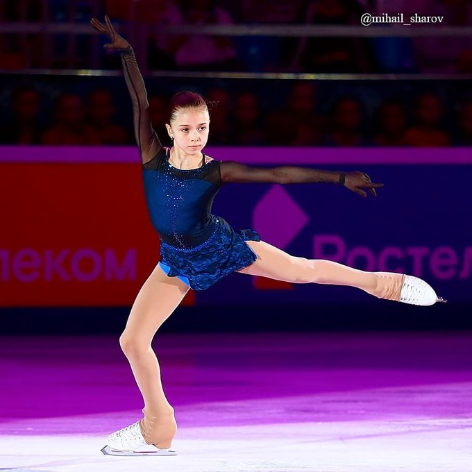 ワリエワ開脚