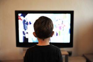 自粛中にテレビで暇つぶし