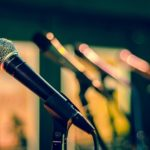 歌い手のマイク